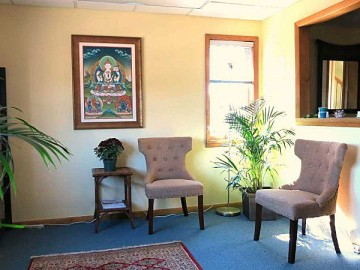 rochester_acupuncture_front_waiting_room-241deab147